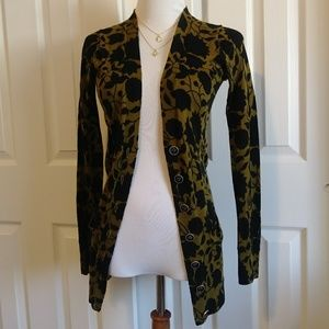 Fossil Sweaters - FOSSIL olive floral button up cardigan w/ pockets